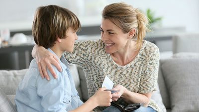 Как говорить с подростком о деньгах