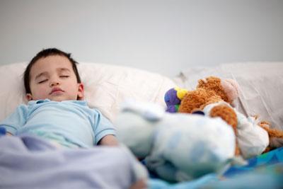 научить ребенка засыпать самостоятельно в год