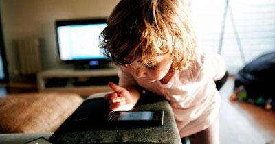 Как отвлечь ребенка от телефона в 3 года