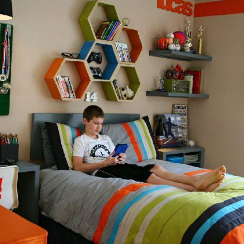спальня подростка в современном стиле для мальчика