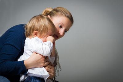 ребенку год устраивает истерики что делать