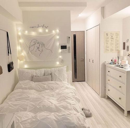 комната девочки подростка в белых тонах