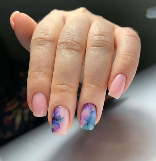 маникюр в стиле минимализм на короткие ногти 2