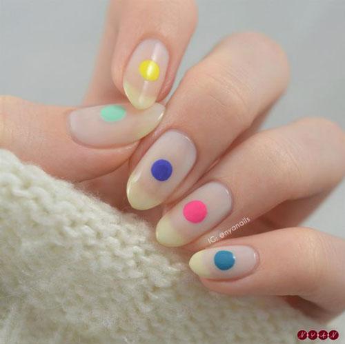 маникюр в стиле минимализм на короткие ногти светлый 2
