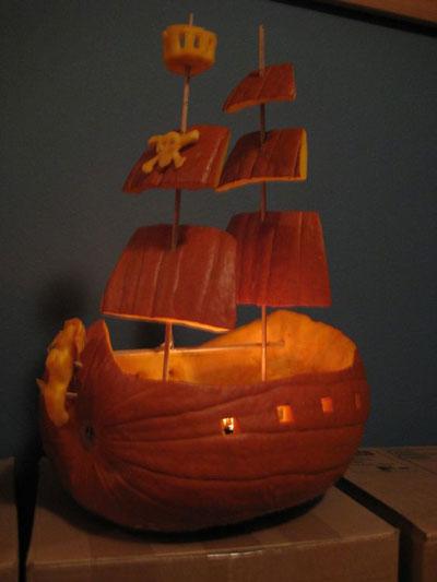 Корабль из тыквы