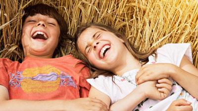 как развить Правильное чувство юмора у ребенка