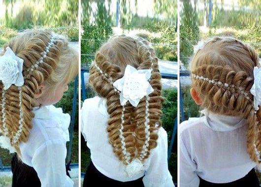 прическа для девочки на длинные волосы на линейку