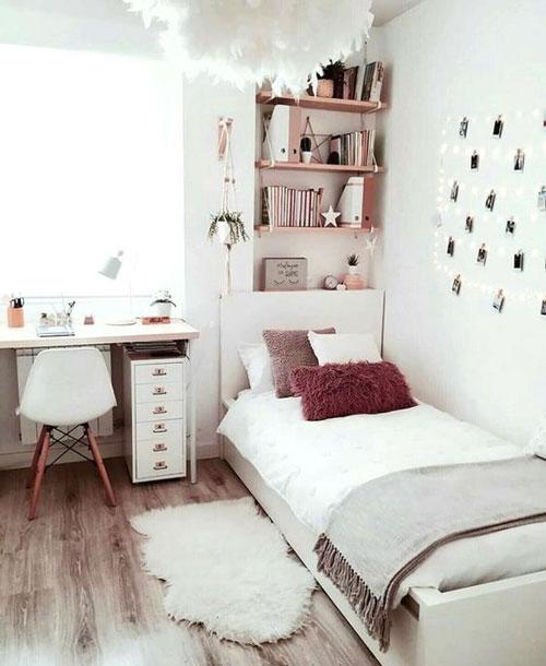 комната для девочки подростка с окном