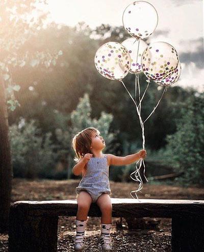 Как красиво сфотографировать ребенка с шариками 4