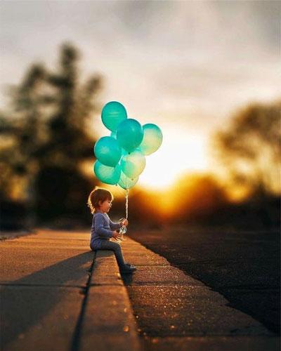 Как красиво сфотографировать ребенка с шариками