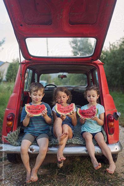 Как красиво сфотографировать ребенка летом