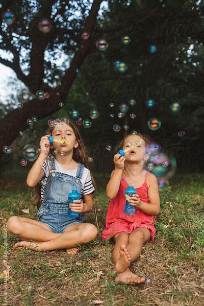 Как красиво сфотографировать ребенка с мыльными пузырями