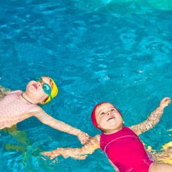 как правильно научить ребенка плавать в бассейне 8