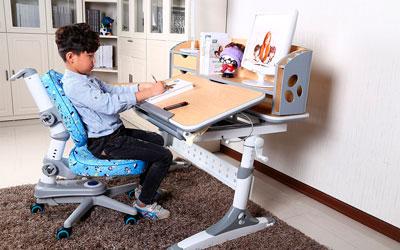 как выбрать стол для занятий ребенку