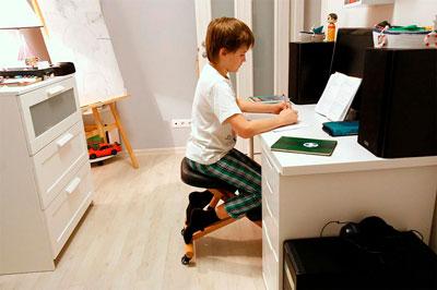 письменный стол для ребенка 2