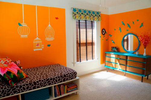 оранжевый цвет в оформлении стен в детской комнате