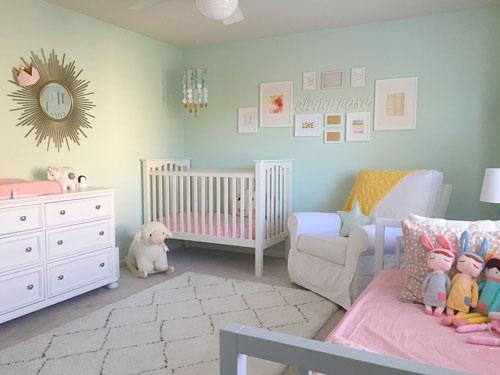 оформление стен в детской для новорожденого