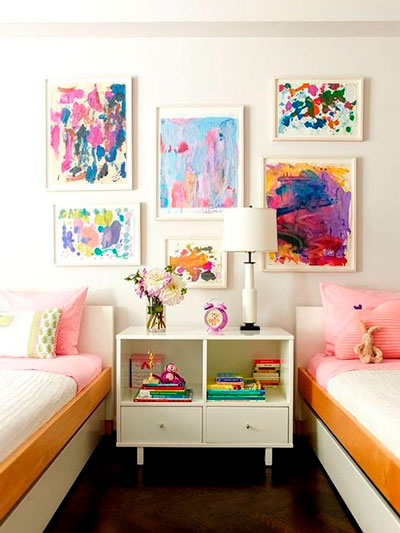 Оформление стен в детской комнате для двоих