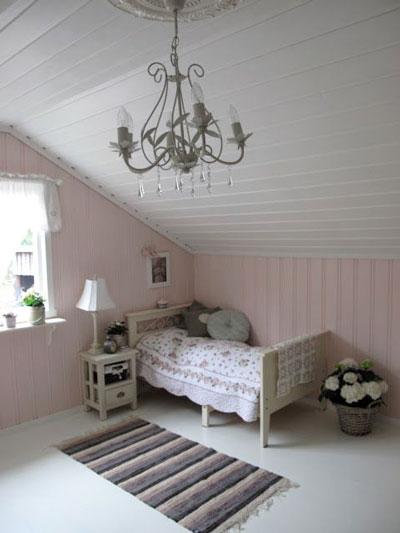 как уютно оформить стены в комнате ребенка 2