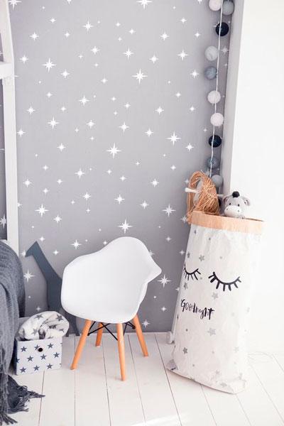 красивое оформление стен в деткой комнате наклейками 6