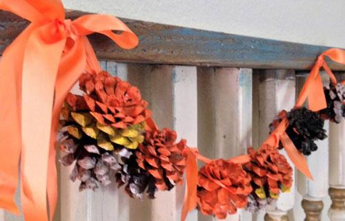 Осенние гирлянды поделки из шишек 3