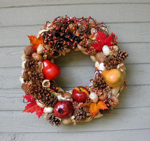 Осенние поделки из шишек венок 2