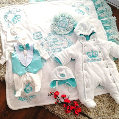 осенний комплект одежды на выписку из роддома