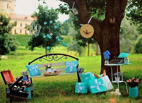 красивая фотозона на день рождения ребенка на природе