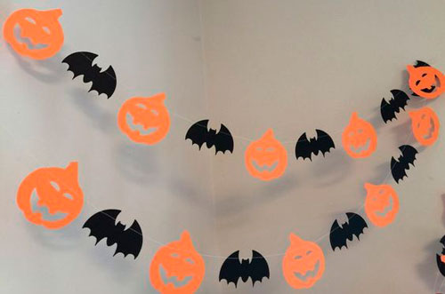 украсить дом на хэллоуин своими руками с помощью гирлянд 7