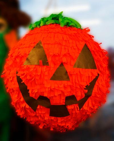 как украсить комнату на хэллоуин своими руками из бумаги 4