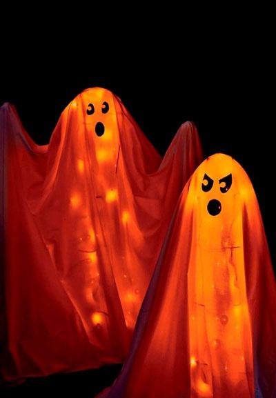 как украсить комнату на хэллоуин своими руками из марли 4