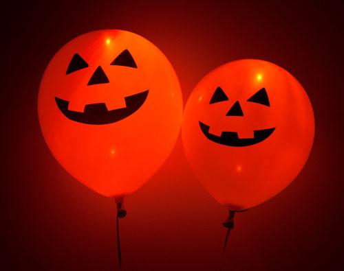как украсить комнату на хэллоуин своими руками 2