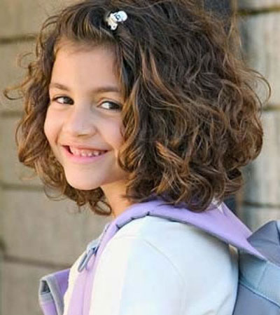 прическа для девочки на 1 сентября короткие волосы