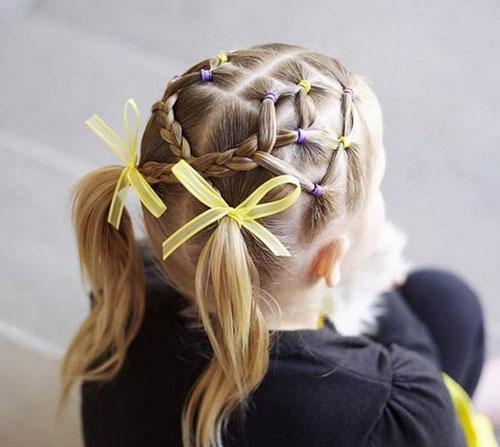 прическа на короткие волосы на 1 сентября 7 класс