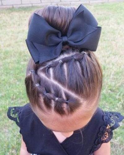 прически на длинные волосы в школу легкие и красивые