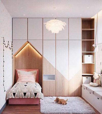 дизайн детской комнаты прямоугольной формы с окном 1