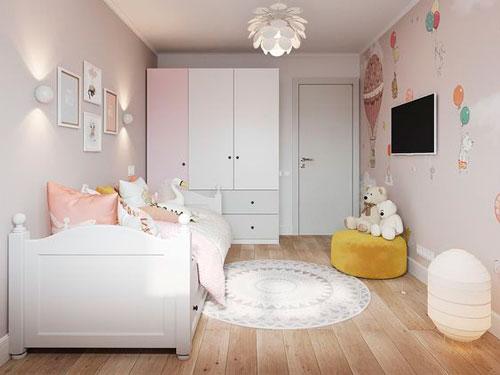 дизайн прямоугольной детской комнаты с окном 10