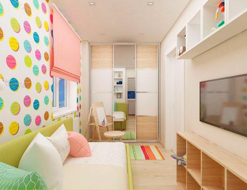 дизайн детской прямоугольной комнаты с балконом для девочки