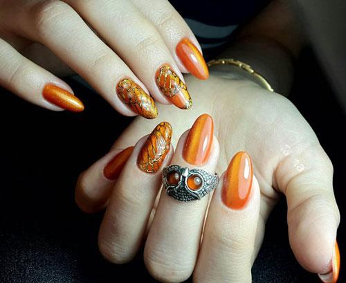 дизайн ногтей миндаль молодежные осень 2021 2