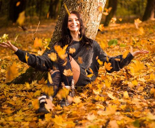 красивые позы для фотосессии на природе осенью 2