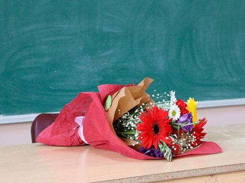 Красивые стихи ко дню учителя для старшеклассников