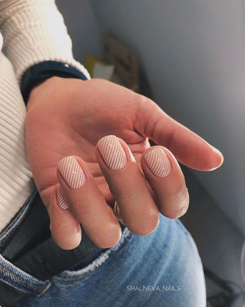 идеи осеннего маникюра на короткие ногти 2021 5