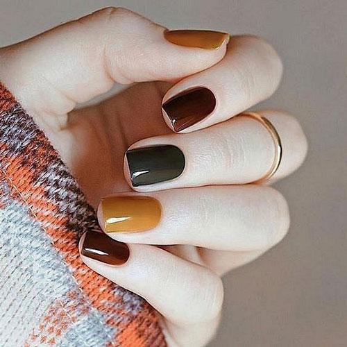 легкий осенний маникюр на коротких ногтях
