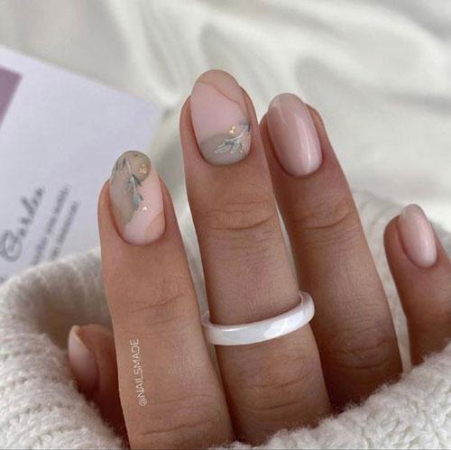 осенний маникюр на короткие миндальные ногти