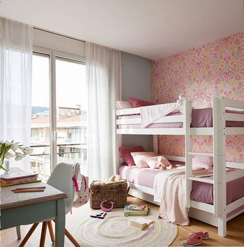 маленькая детская комната для двух девочек