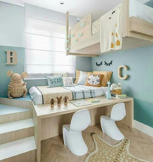 маленькая детская комната для школьника
