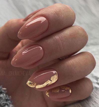 дизайн ногтей миндальной формы осень 2021 4