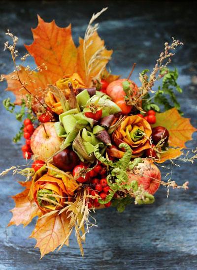 осенний букет с яблоками и листьями 2