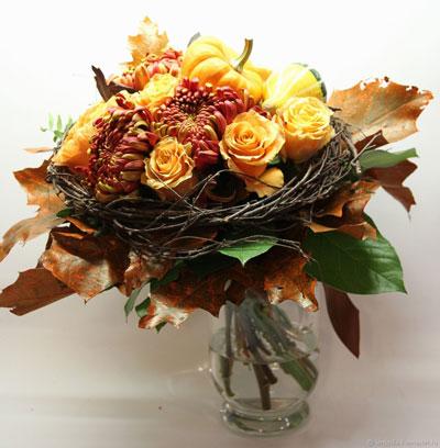 осенний букет из листьев и ягод 6