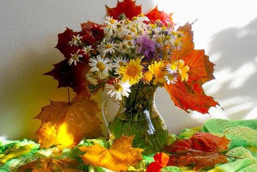 букеты из осенних цветов и листьев